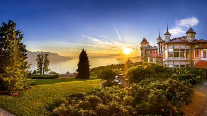 """Семинар на тема """"Обучение в Швейцария – път към успешна кариера в хотелиерството и туризма"""" във Варна"""